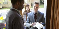 Témoins de Jéhovah prêchant la parole de Dieu