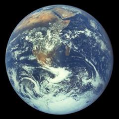 El planeta Tierra visto desde el espacio