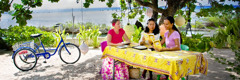 Jehovah's Witnesses preaching in French Polynesia