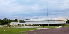Ein neuer Kongresssaal von Jehovas Zeugen bei Manaus, Brasilien