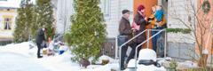 Témoins de Jéhovah qui prêchent la bonne nouvelle en Finlande