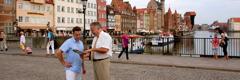 Un Témoin de Jéhovah qui prêche la bonne nouvelle en Pologne