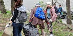 Zeugen Jehovas sammeln Müll und Schutt in Rostow am Don (Russland)