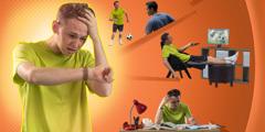 Một thiếu niên lo lắng vì cách quản lý thời gian của mình: chơi đá bóng và xem ti-vi trước khi làm bài tập