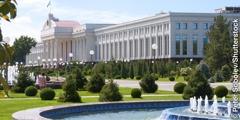 Stavba senata v Taškentu