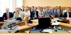 Der Strafprozess gegen 16 Zeugen Jehovas im Gerichtssaal in Taganrog
